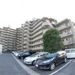 川口弥平パークホームズ 駐車場
